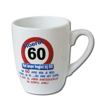 Verkeersbord mok - 60 jaar